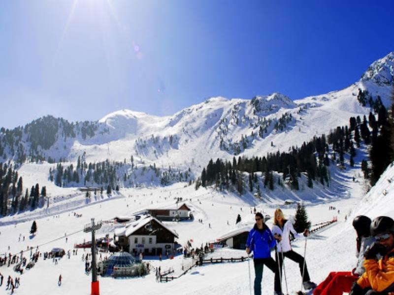 Для сноубордистов сделан отдельный хаф-пайп