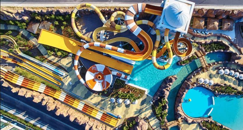 аквапарк с высоты дрона