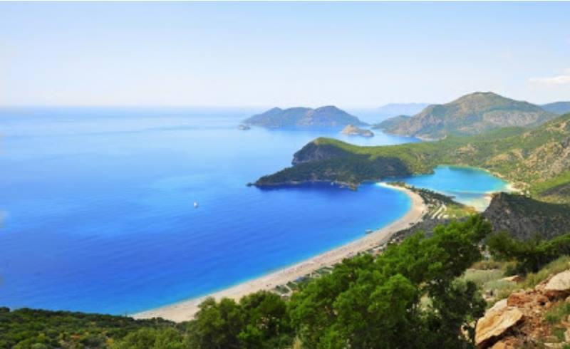 На расстоянии двух километров от Олюдениз расположился пляж, называемый Кидрак